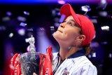 Barty tutup musim cemerlangnya dengan juara WTA Finals