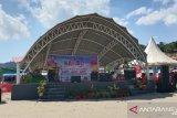 Peserta peringatan HPS antusias menyaksikan Festival Nambo