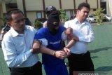 Bersembunyi dua hari, pelaku pembunuhan sopir taksi online terpaksa ditembak saat ditangkap