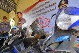 Belasan motor dipetik dua pencuri ini di Kota Mataram