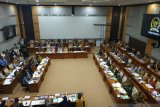 Soal cadar dan celana cingkrang, Menteri Agama klarifikasi di DPR