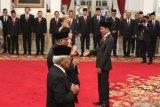 Presiden RI Joko Widodo beri gelar pahlawan kepada enam tokoh, salah satunya Ruhana Kudus
