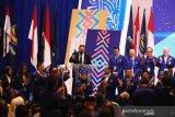 Surya Paloh kembali jadi Ketua Umum NasDem secara aklamasi