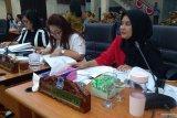 DPRD Manado pertanyakan beasiswa Rp2,35 miliar dari Dikbud bagi tiga penerima