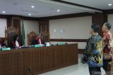 Terbukti menyuap Bupati Lampung Tengah dua pengusaha divonis 1 tahun penjara