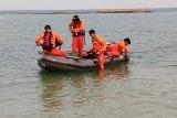 Tim SAR cari pria terjatuh saat memancing ikan di Batam