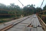 Jembatan Tak Layak Pakai Masyarakat Mintai Akses Baru
