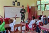 Satgas Yonif 713/ST gelar lomba mewarnai untuk pelajar di perbatasan RI-PNG