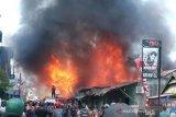 Di Baubau, delapan  bangunan ludes dilalap api