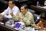 Akhir November, Jokowi  pastikan investasi mobil listrik Hyundai
