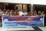 Wabup mengharapkan kontingen Pesparani Mimika berprestasi di Jayapura