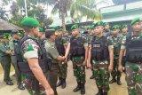 Staf ahli Panglima TNI kunjungi pos kotis Yonif 713/ST di perbatasan RI-PNG