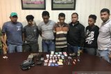 Sedang asyik transaksi narkoba, dua pemuda Rohil diringkus polisi