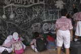 Melatih kreatifitas siswa