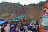 Empat alat berat dikerahkan cari pekerja tambang yang tertimbun