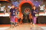 Peringati Hari Ibu, Pemkab Gianyar  gelar lomba busana adat untuk ke kantor