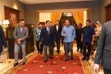 Prabowo bertemu Anwar Ibrahim dan Wan Azizah