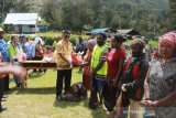 Sebagian bantuan warga miskin di Lanny Jaya dibelanjakan bahan pokok