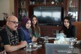 Pendiri Miss Indonesia dukung ajang Putra Putri Tenun  Songket
