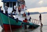 Kapal wisata ditumpangi wisman asal Colombia tengelam di Kumai