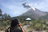 Warga diimbau jauhi radius  3 km dari puncak Merapi setelah erupsi