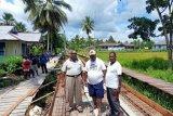 Bupati Asmat tinjau proyek jalan di Akat