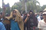 Ribuan warga Loteng menolak perubahan nama Bandara Internasional Lombok