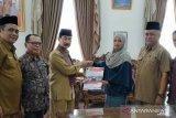 Akhirnya, KPU-Pemkab Solok Selatan tandatangani NPHD Rp16 miliar