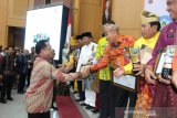 Pemkab Ogan Komering Ulu  terima penghargaan kota sehat