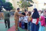 Para pendamping reses anggota DPRD Banten santuni puluhan yatim