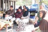 Monitoring dan evaluasi, Rektor Untidar kunjungan ke rumah penerima Bidikmisi