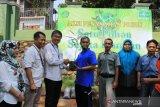 Incar Adiwiyata Mandiri, siswa MI Batang lakukan gerakan penanaman pohon