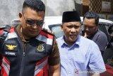 Penyidik memeriksa tersangka pemerasan proyek wisata Pusuk