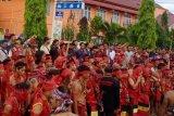Ribuan warga adat Dayak unjuk rasa di PN Sintang