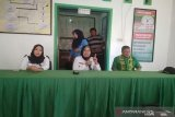 BNN memberi pembinaan kelurahan bersinar-tes urine masyarakat Kendari
