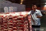 Kabulog Sangihe periksa stok beras di gudang Tahuna