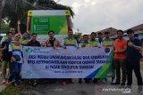 Jamsostek Tarakan berbagi tas ramah lingkungan