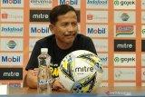 Djanur tak mau mengungkit rekor baik hadapi Persib Bandung