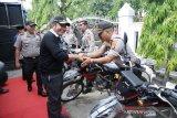 Gubernur Herman Deru bantu kendaraan Polres  OKU Timur