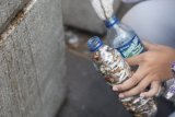 Komunitas antirokok bersihkan  Malioboro dari puntung rokok