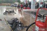 Sepeda motor korsleting, SPBU terbakar lima sepeda motor hangus