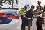 Pengendara bawa sabu ditangkap polisi di Jalan Trans Kalimantan
