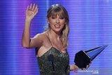 Taylor Swift kalahkan Ariana Grande dan Billie Eilish di American Music Awards 2019