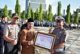 Hebat, seorang Polisi di Pekanbaru dapat 2 penghargaan karena membangun sekolah di pelosok