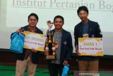Tim IPB University juarai lomba debat sosial politik nasional