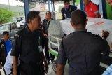 Jenazah pekerja migran asal NTT Reinaldo tiba di Kupang