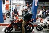 Warga Padang mulai beralih dari Premium ke Pertalite (Video)