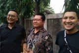 Berdoa menjadi persiapan Nunung dan suami hadapi vonis hakim
