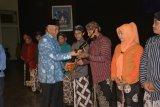Pemkab Sleman menyerahkan gamelan kepada Kelompok Masyarakat Kebudayaan
