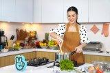 Raisa pamerkan kemampuannya dalam memasak